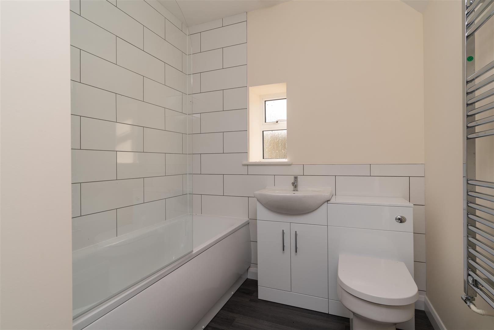 2 Little Barrow Bathroom